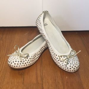 Adorable Flats with Jewels!